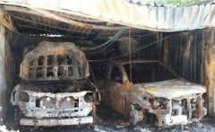 В Николаеве экс-начальнику УБОПа дотла сожгли два автомобиля - Lexus и Toyota