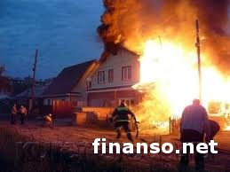 Мать оставила трехлетнего ребенка в горящем доме на Житомирщине