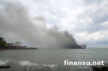 ЧП в Крыму: паром, перевозивший более 100 человек, внезапно загорелся – последствия