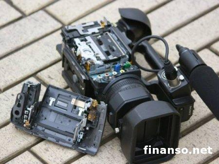 В Киеве ночью неизвестный напал на журналистов 5 канала