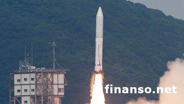 """В Японии состоялся первый запуск ракеты """"Эпсилон"""" в космос"""