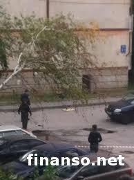 Пожилой мужчина в Харькове стрелял с ружья и бросал взрывчатку с крыши дома - последствия