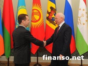От итогов переговоров с Россией зависит госбюджет Украины на 2014 год - Азаров