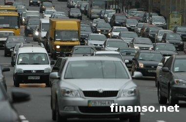 В сентябре в Украине более чем в два раза сократились продажи новых легковых авто