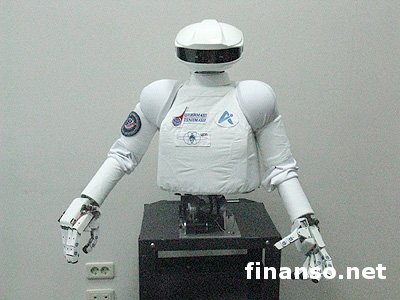 Россия начала испытания над космическим роботом-андроидом