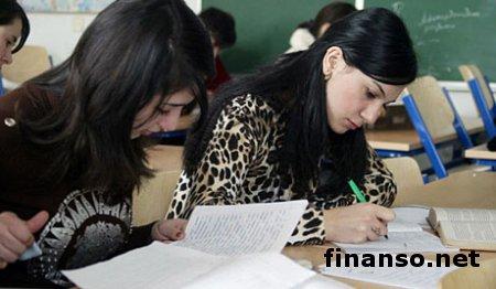 Студенты ВУЗов в Киеве жалуются на невыплаты, а в госказначействе убеждают, что задолженностей нет