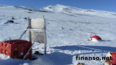 На глубине в километр подо льдами Антарктиды ученые обнаружили вулкан – выводы