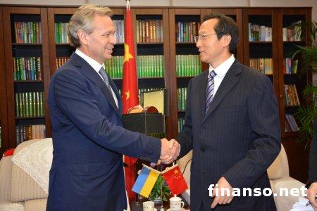 Китай предоставит Украине кредит на 3 млрд. долларов для восстановления систем орошения