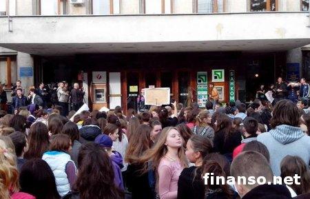Ужгород: Подробности осады школьниками мэрии