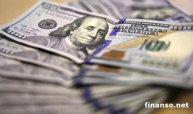 Впервые за два года в банках Украины вырос объем валютных депозитов
